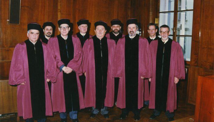 Sestava ustavnih sodnikov leta 1993