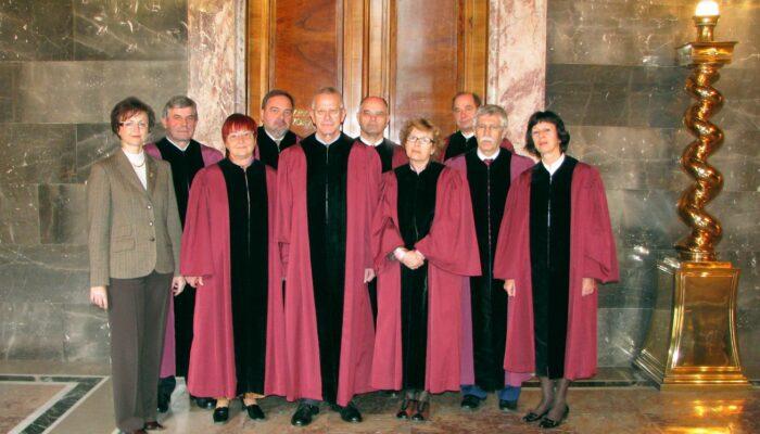 Sestava ustavnih sodnikov leta 2007