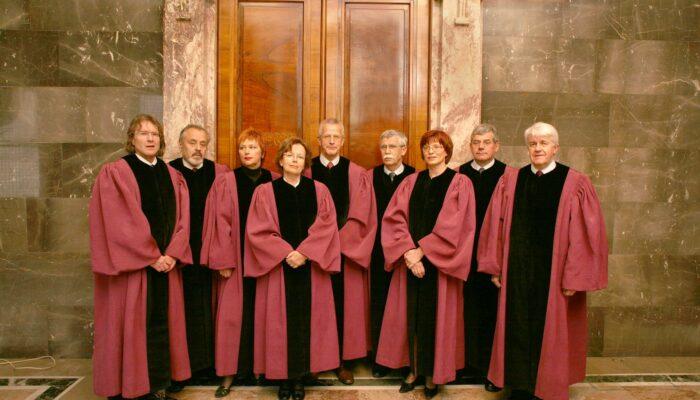 Sestava ustavnih sodnikov leta 2008