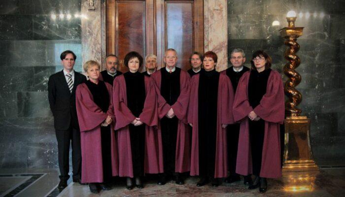 Sestava ustavnih sodnikov leta 2010