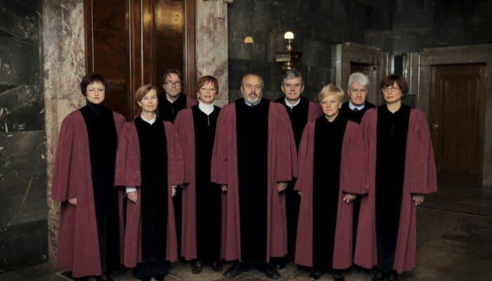 Sestava ustavnih sodnikov leta 2011